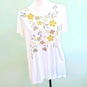 LOGO White floral embroidery top with pockets XS
